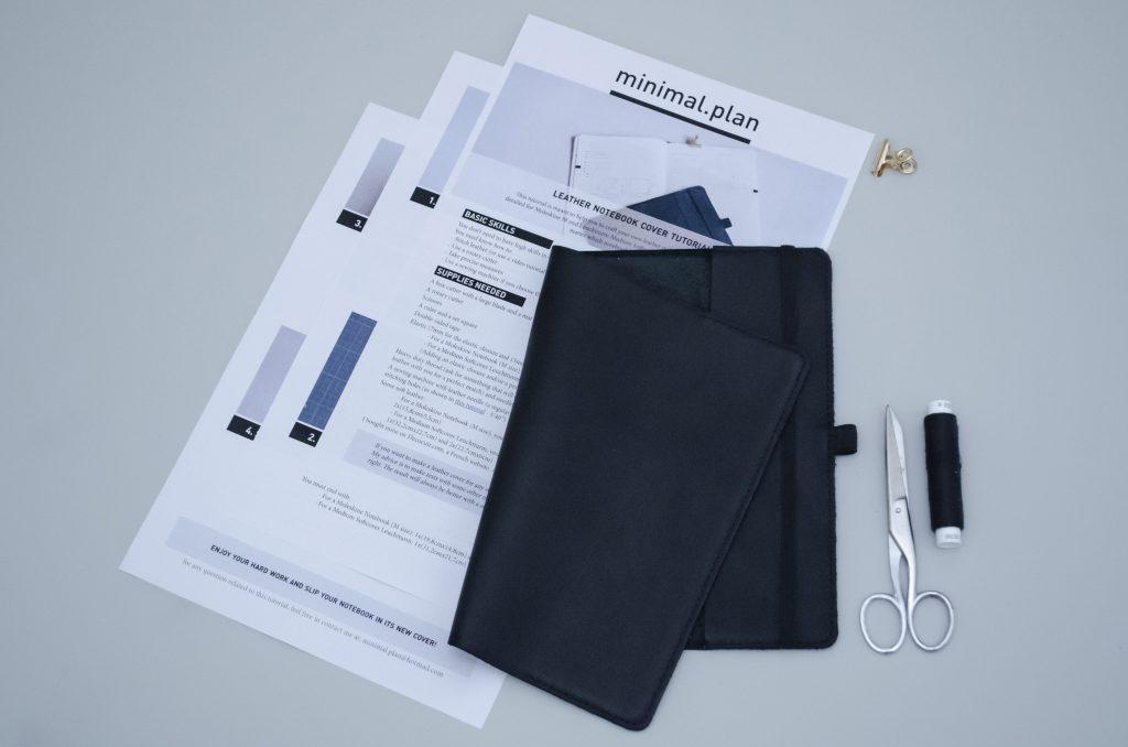 tutoriel coudre une couverture de carnet en cuir résultat final