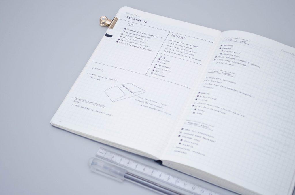 page hebdomadaire Bullet Journal, modèle minimaliste avec notes